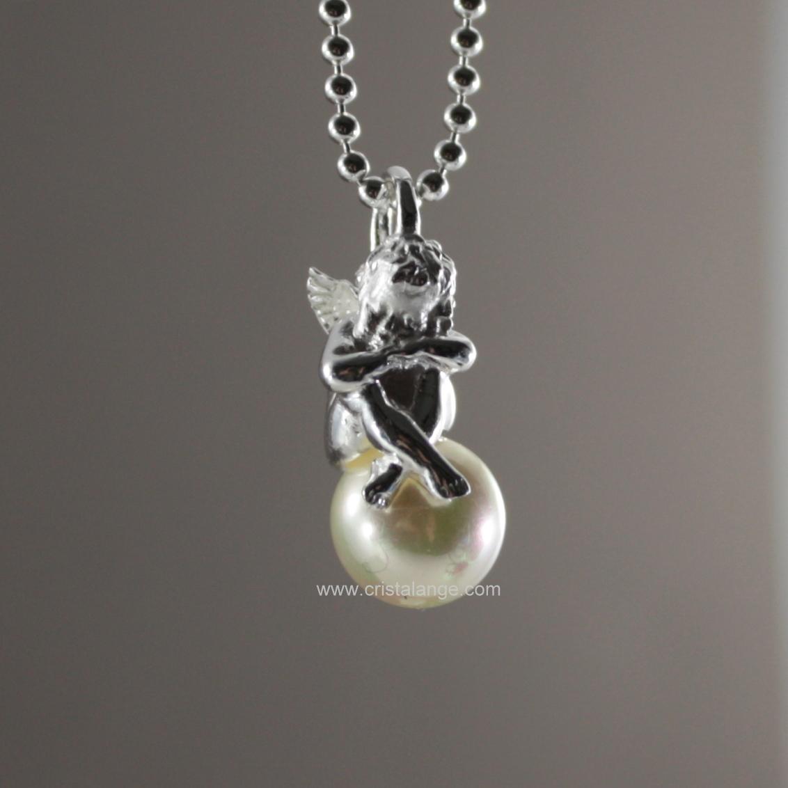 collier avec pendentif mini ange gardien endormi sur perle. Black Bedroom Furniture Sets. Home Design Ideas