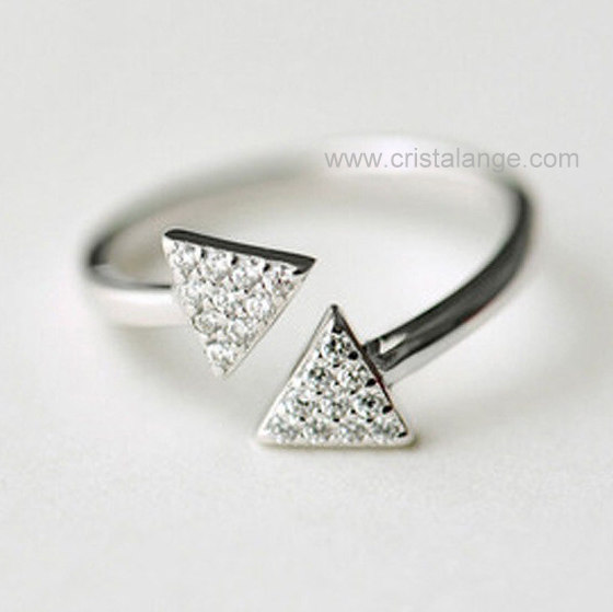 check-out 86efd 2d515 Bague double triangle en argent - strass