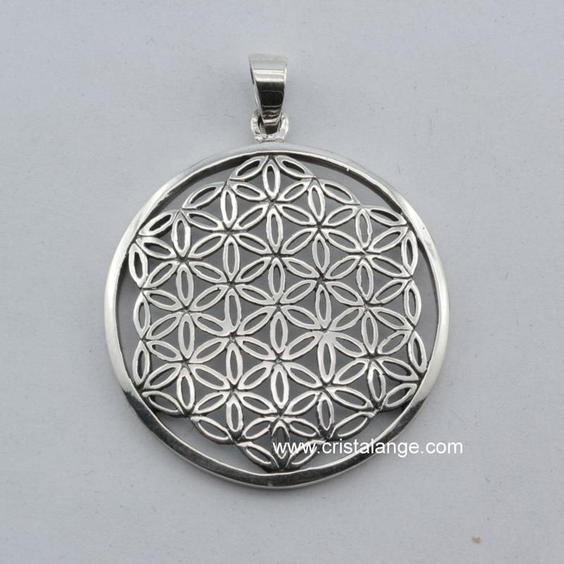 Découvrez ce pendentif fleur de vie en argent, ainsi que de nombreux autres  bijoux ésotériques